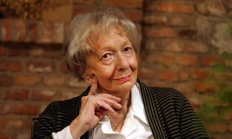 Krakow, 10.09.2003 Wislawa Szymborska, promocja ksiazki   fot. Anna Kaczmarz/Reporter  portret, poeci, ludzie, literatura