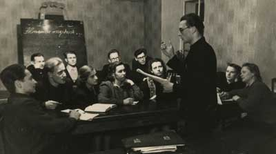 Swiacki-Czyta-tlumaczenie-1954